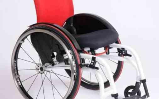 Tevreden rolstoel gebruiker OlympicHopper O4 Wheelchairs