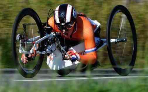 Laura de Vaan - O4 Wheelchairs - Handbike - Rolstoel